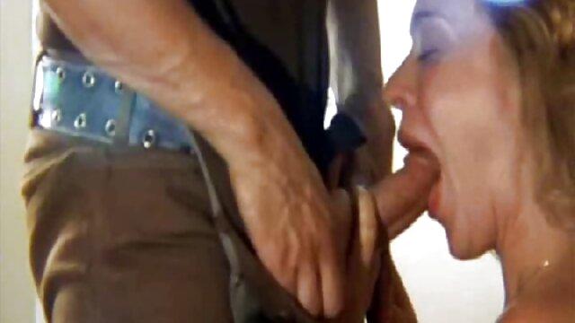 角男性の裸との添い寝にメインストリートパークシティの普通のゲイ。 黒い角質コック彼らはそれらをクソ口の中で交代し、その後彼らのお尻の中で 女の子 無料 h 動画
